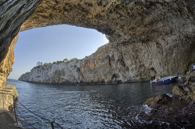grotta della zinzulusa
